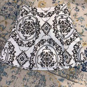 White house black market skirt. Size 00